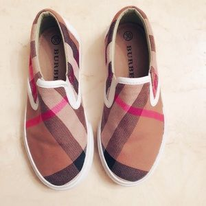 SOLD on eBay!!! Burberry kids vintage sneakers